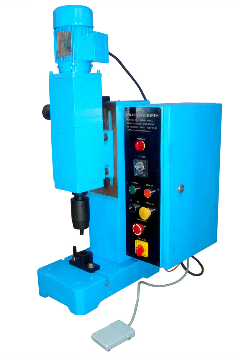 Auto Riveting Machine